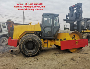 China Wheel 10 Ton Road Roller , Diesel Road Roller 0 - 8 Km / H Speed Range distributor