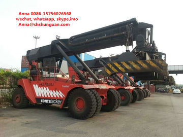 China Low Fuel Consumption Fantuzzi Container Handler , Used Container Handling Equipment distributor